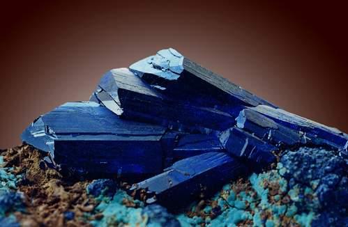 Азурит-камень-Свойства-азурита-Применение-азурита-1