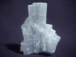 Ангидрит-Описание-и-свойства-минерала-2