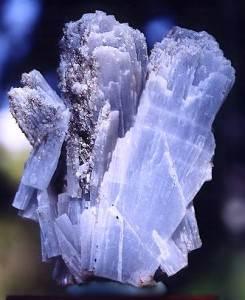 Ангидрит-Описание-и-свойства-минерала-4