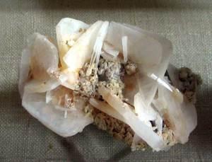 Ангидрит-Описание-и-свойства-минерала-6