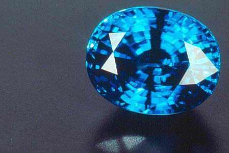 Камни-в-украшениях-Особенности-камней-в-украшениях-и-как-правильно-выбрать-1