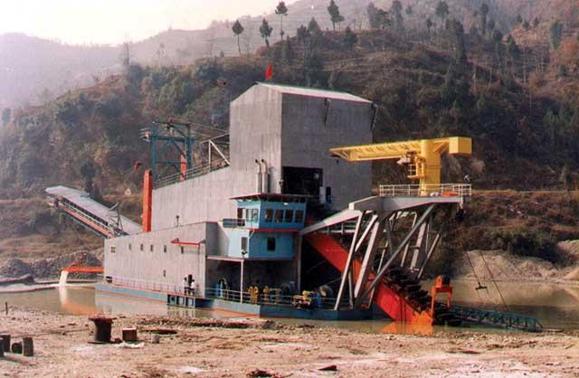 Золотодобыча-Как-найти-золото-Поиск-с-помощью-металлоискателя-9
