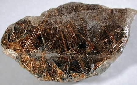 Что-такое-кварц-Свойства-минерала-химические-характеристики-разновидности-и-его-применение-6