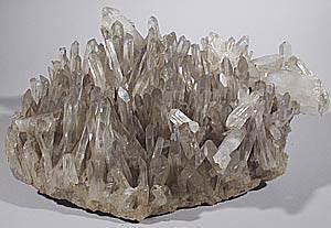 Что-такое-кварц-Свойства-минерала-химические-характеристики-разновидности-и-его-применение-7