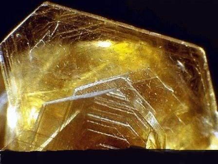 Что-такое-слюда-Свойства-способы-добычи-слюды-области-применения-минерала-4