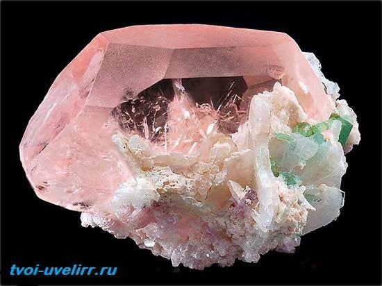 Морганит-камень-Описание-и-свойства-морганита-4