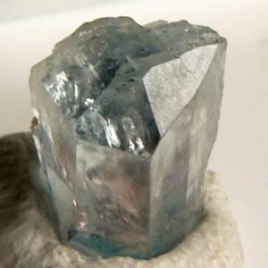 Эвклаз-Описание-и-свойства-минерала-2