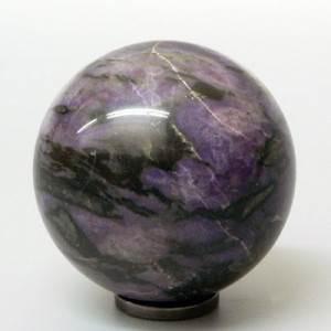Гагат-Описание-и-свойства-минерала-2