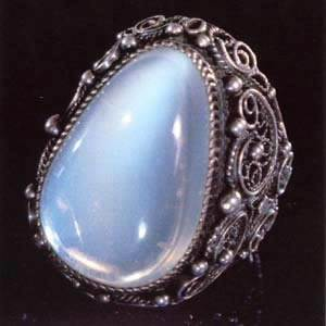 Лунный-камень-Свойства-и-описание-минерала-2