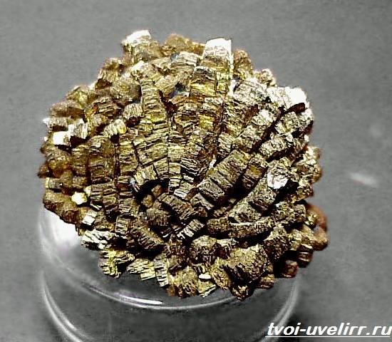 Марказит-Описание-и-свойства-минерала-3