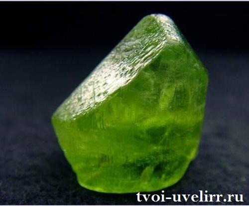 Оливин-История-происхождение-и-свойства-минерала-5