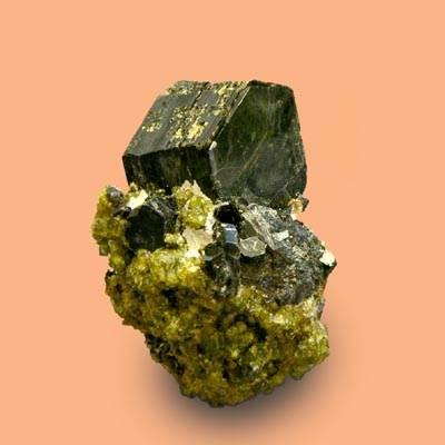 Биотит-История-происхождение-свойства-камня-2