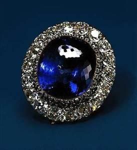 Легендарные-камни-сапфир-святого-Эдуарда-3