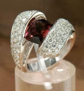 Гранат-История-происхождение-и-свойства-минерала-2
