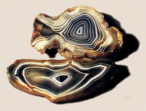 Халцедон-История-происхождение-и-свойства-камня-5