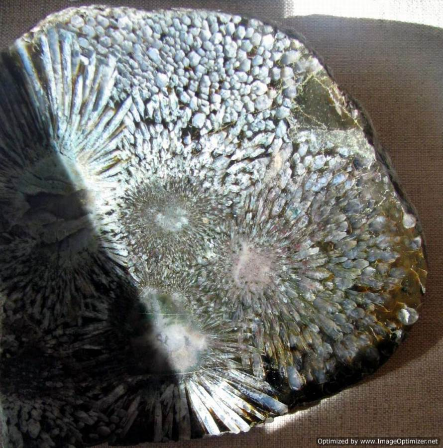 Халцедон-История-происхождение-и-свойства-камня-7