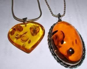 Янтарь-Свойства-происхождение-и-имитации-минерала-6