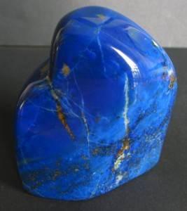Какие-минералы-и-камни-считаются-драгоценными-и-полудрагоценными-6