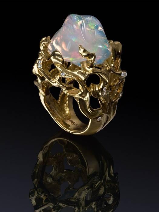 Гиалит-История-происхождение-и-свойства-камня-1