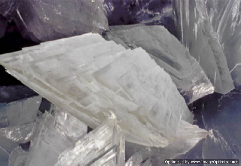 Гигантские-кристаллы-найденные-в-пещере-Naica-в-Мексике-12