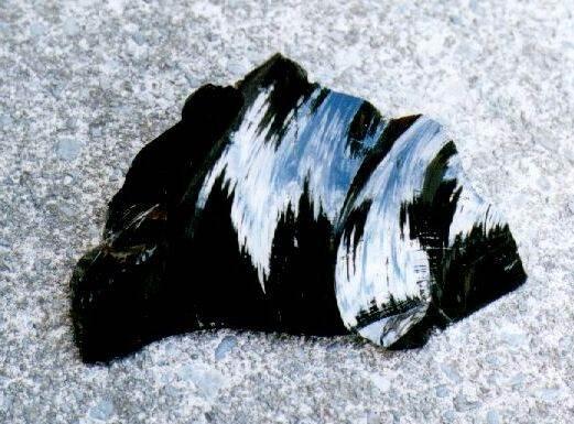 Обсидиан-камень-и-его-свойства-3