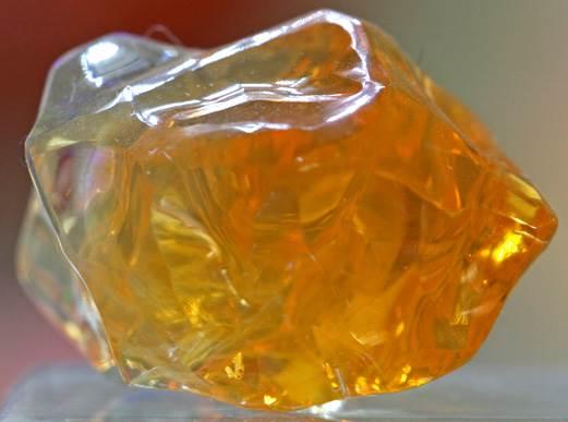 ognennyj-opal-istoriya-proisxozhdenie-i-svojstva-kamnya-1