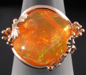Огненный-опал-История-происхождение-и-свойства-камня-3