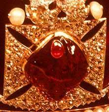 Легендарные-камни-рубин-Чёрный-принц-3