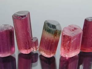 Турмалин-Свойства-происхождение-и-применение-минерала-3