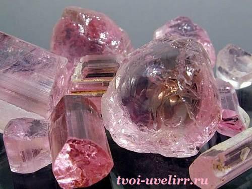 Рубеллит-История-происхождение-и-свойства-минерала-4