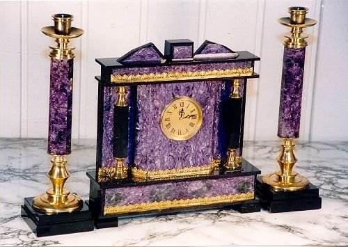 Чароит-камень-Происхождение-история и-свойства-камня-чароита-6