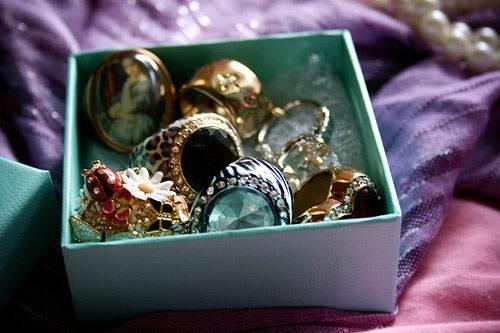 Чистка-хранение-и-уход-за-ювелирными-изделиями-и-украшениями-4