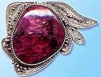 Эвдиалит-История-происхождение-и-свойства-камня-3