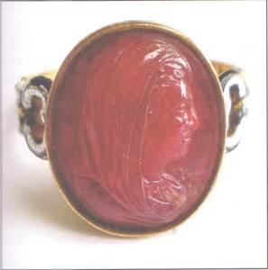 Перстень-с-камеей-портретом-Мадам-де-Ментенон-Рубин-Кармен-Лючия-1