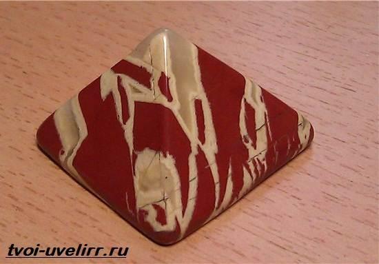 Яшма-камень-Свойства-и-происхождение-яшмы-7