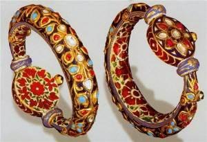 Технология-нанесения-ювелирной-эмали-на-украшения-из-золота-5