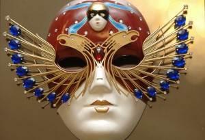 Золотая-маска-премия-1