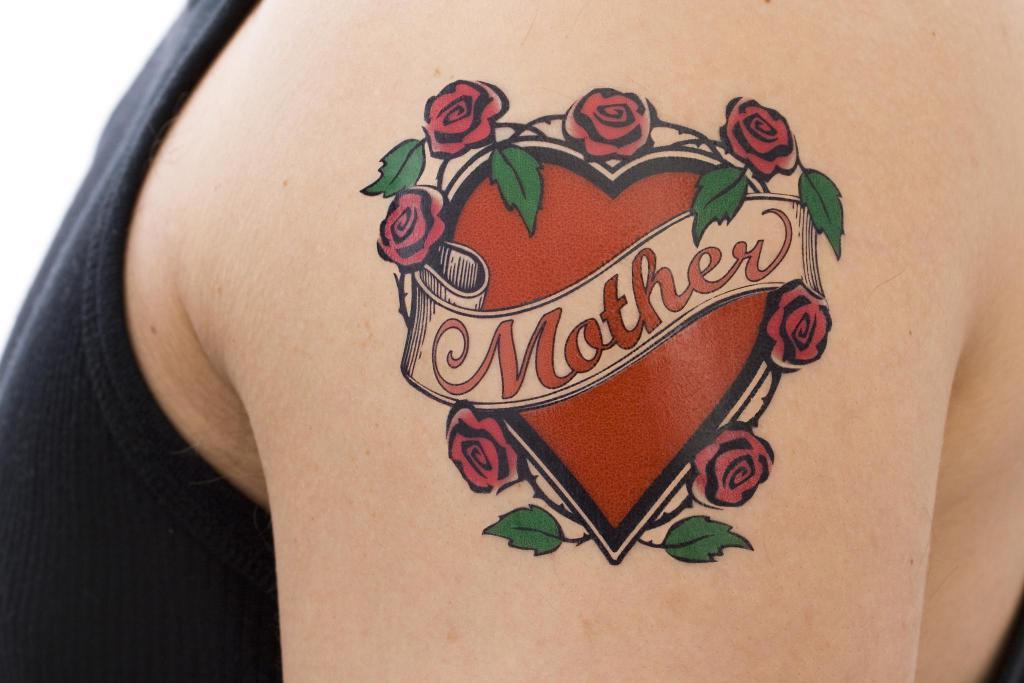 Тату мама. Значение тату мама. Фото тату мама