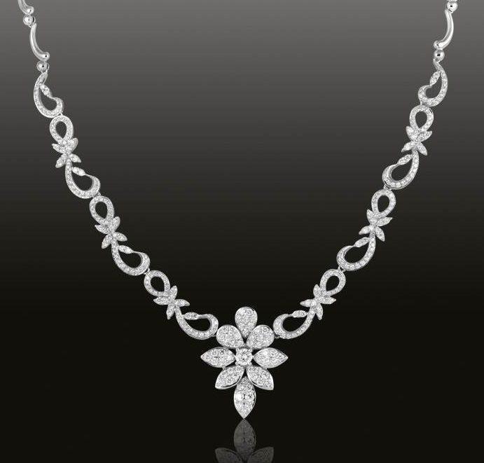 Колье-с-бриллиантами-2