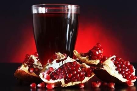 Гранатовый-сок-Польза-и-вред-гранатового-сока-1