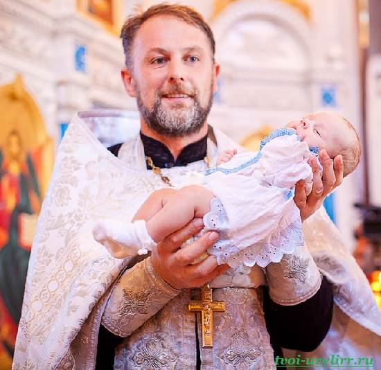 Крещение-младенца-2
