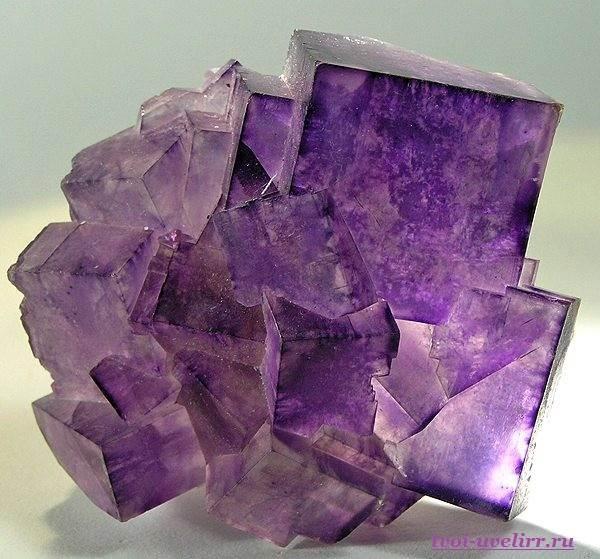 Камень-флюорит-Свойства-флюорита-Цена-флюорита-2