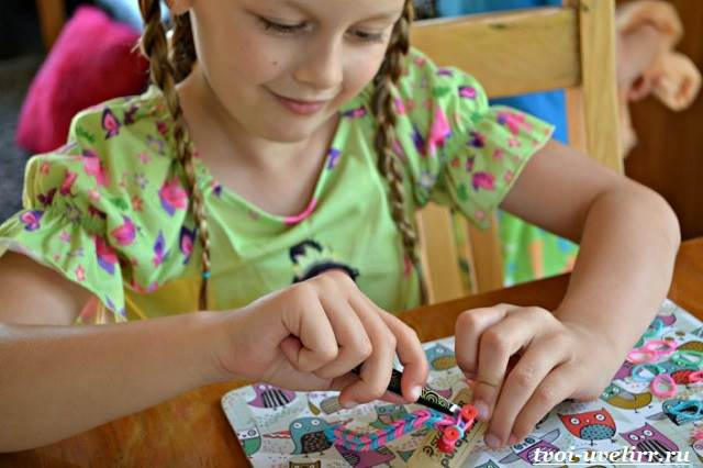 Плетение-браслетов-из-резинок-Фото-и-видео-плетение-браслетов-из-резинок-23