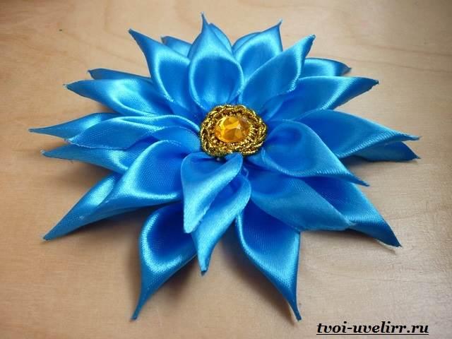 Цветы-из-лент-Как-сделать-цветы-из-лент-своими-руками-1