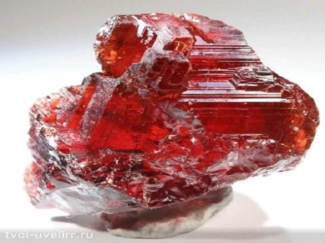 Красный-камень-Популярные-красные-камни-6