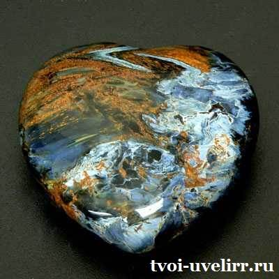 Петерсит-камень-Описание-и-свойства-петерсита-1