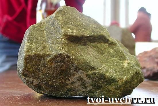 Дунит-камень-Свойства-дунита-Применение-дунита-1