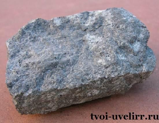 Сиенит-камень-Свойства-сиенита-Применение-сиенита-1