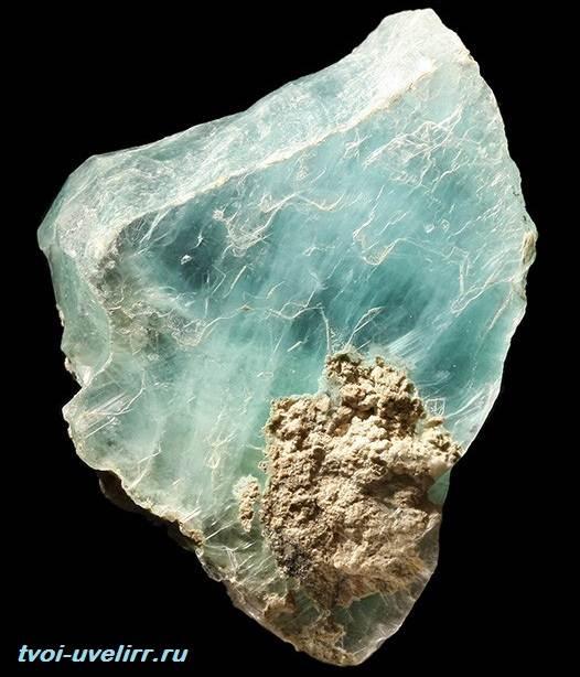 Брусит-камень-Свойства-добыча-и-применение-брусита-4