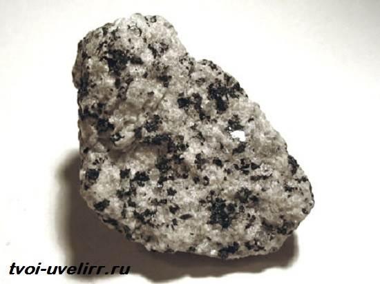 Диорит-камень-Свойства-диорита-Применение-диорита-1